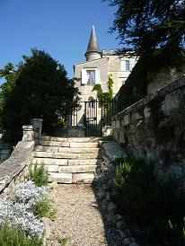 Upshot - chateau for rental